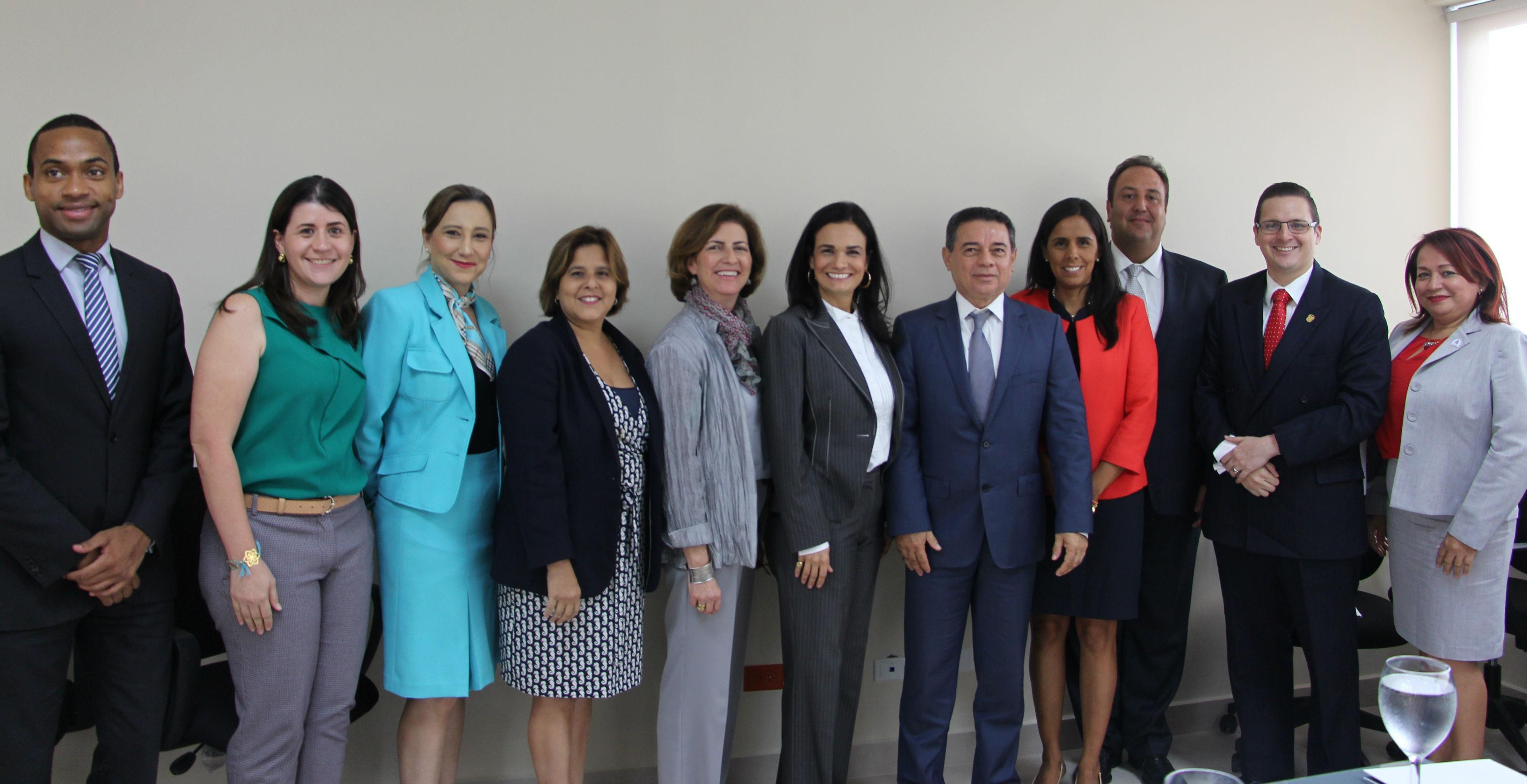 Resultado de imagen para mujeres lideres