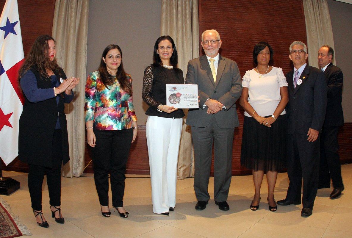 Panam 225 Demanda La Participaci 243 N De Las Mujeres En Las